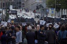 Concentración del movimiento 15M el 26S frente al Congreso