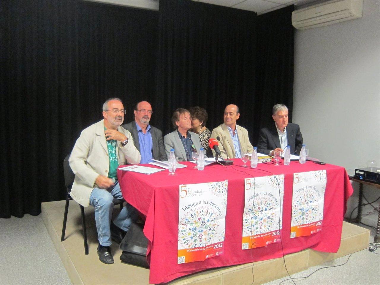 Sindicatos De Enseñanza En La Rueda De Prensa Por El Día Mundial De Los Docentes