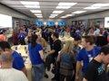 Así ha vivido Zaragoza la apertura de su primera Apple Store