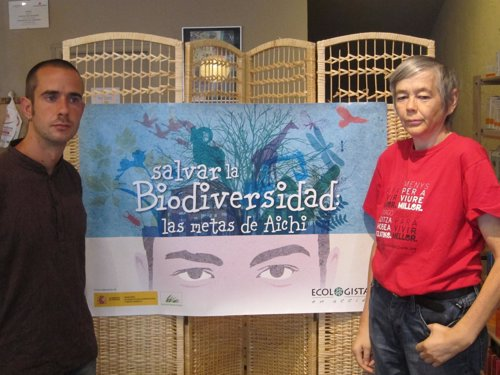 Alejandro Gonzélz y Theo Oberhuber han presentado la 'Guía de la Biodiversidad'