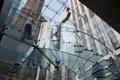 Apple tiene la patente de las escaleras transparentes de sus tiendas