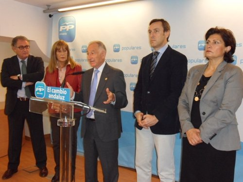 Amat en rueda de prensa junto a Caicedo, Aguero, Hernándo y Navarro
