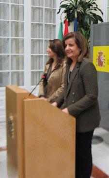 La ministra de Empleo, Fátima Báñez, en la Delegación del Gobierno en Andalucía
