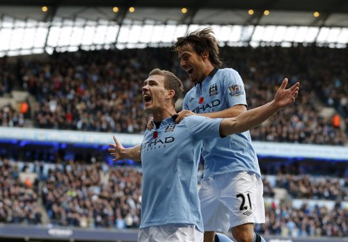 Dzeko y Silva dan la victoria al Manchester City