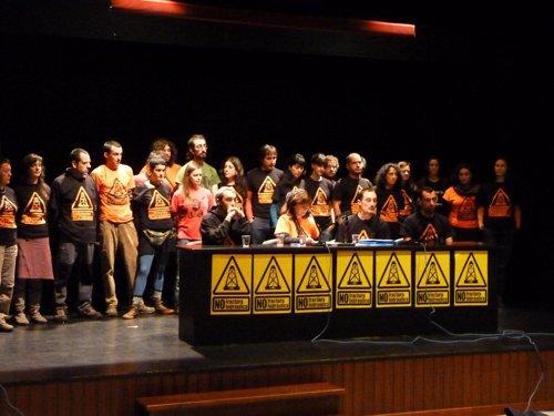 Rueda de prensa de la Asamblea contra el Fracking en Colindres