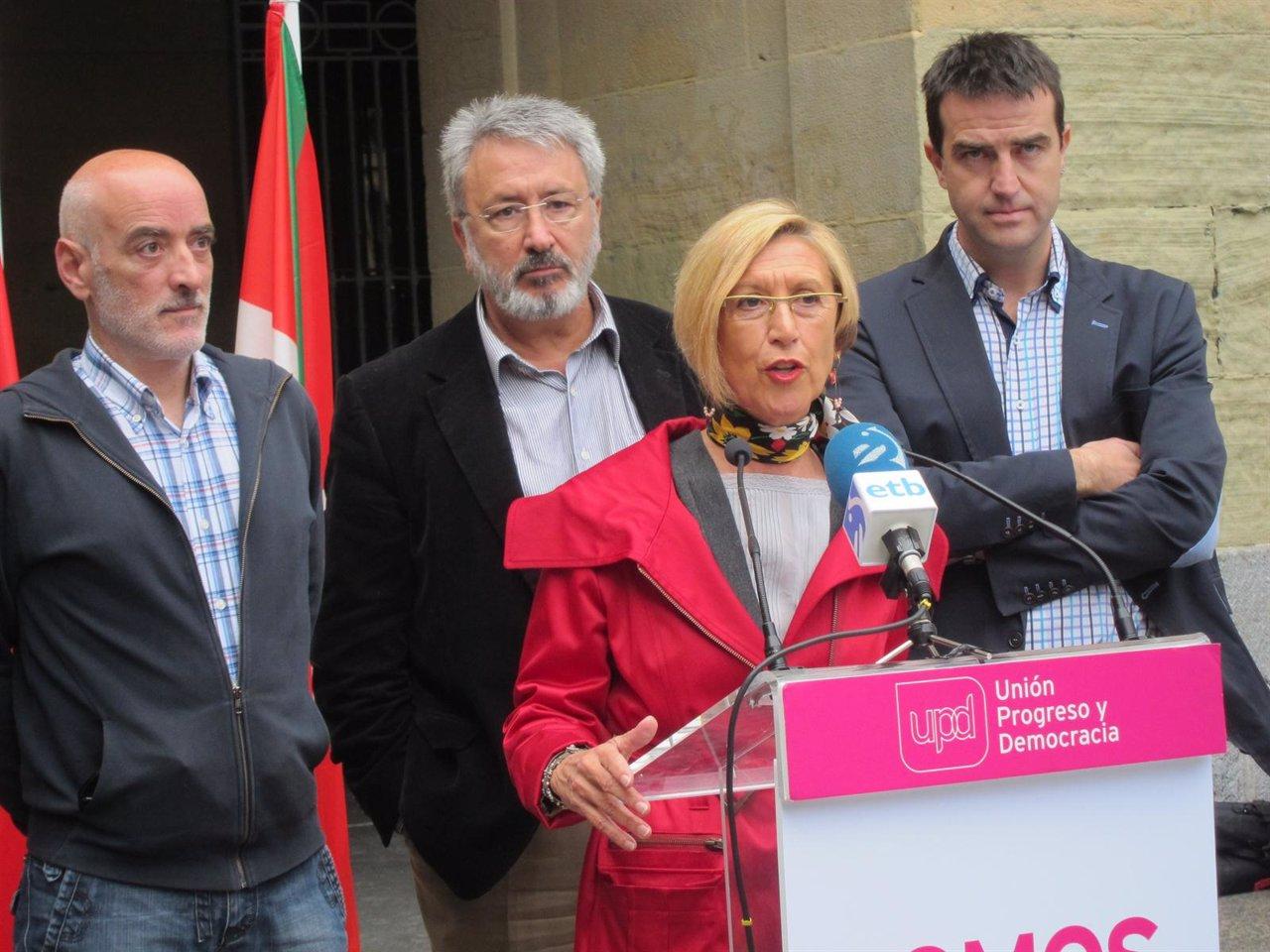 Rosa Díez, Gorka Maneiro y representantes de UPyD