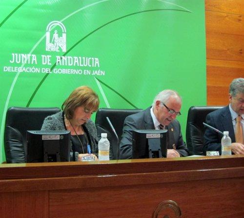 Gálvez y Parras firman el convenio para el sistema de predicción ante Tovar.