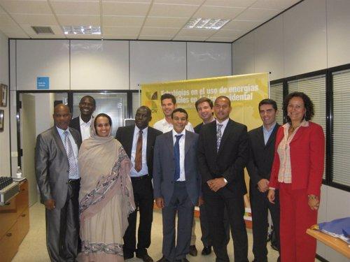 Canarias estudia cómo impulsar el uso de las energías renovables en África