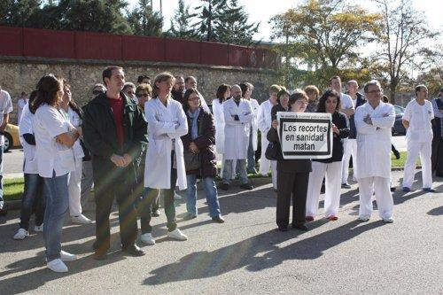 Manifestación ante el hospital