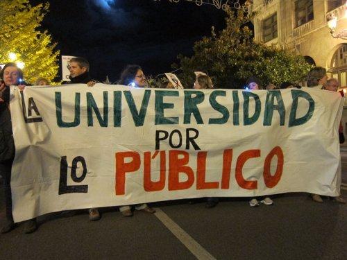 Manifestación contra los recortes en la UC