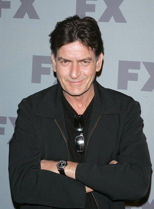"""Charlie Sheen: 'Dos hombres y medio' está """"maldita"""""""