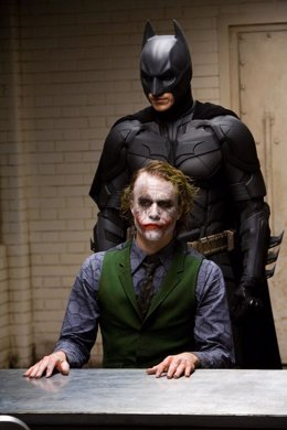 Heath Ledger y Christan Bale en Batman El caballero oscuro