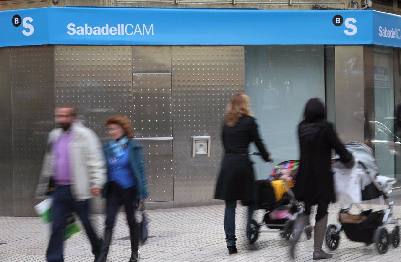 Banco sabadell culmina con xito la integraci n operativa for Oficinas sabadell madrid