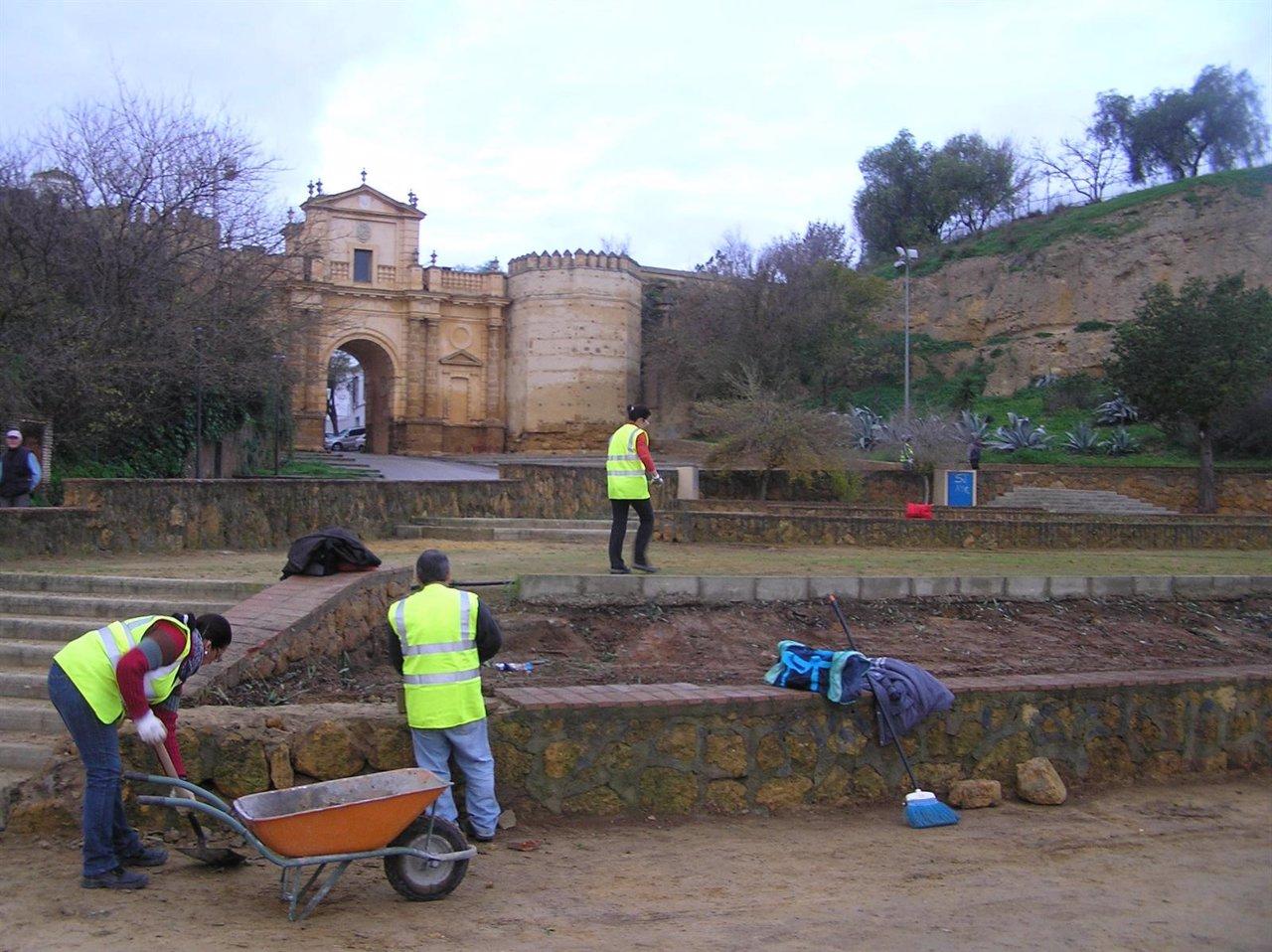 El ayuntamiento de carmona emprende obras de mejora en el - Puerta europa almeria ...