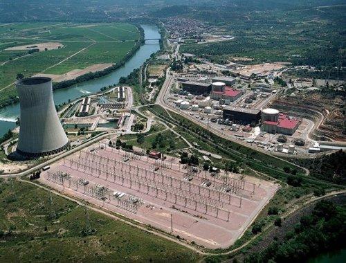 Vista Aérea De La Nuclear De Ascó