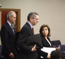 Soraya Sáenz de Santamaría con Alberto Ruiz Gallardón y Pedro Morenés
