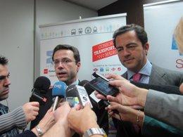 Lasquetty y Cavero atienden a los medios de comunicación