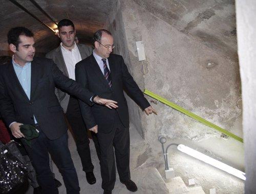 El alcalde visita los refugios tras la remodelación