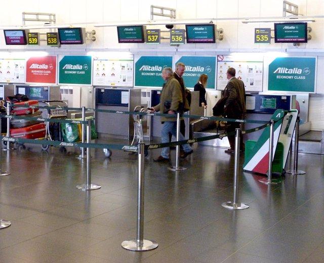 Alitalia reubica su oficina de venta de billetes y sus for Oficina alitalia madrid