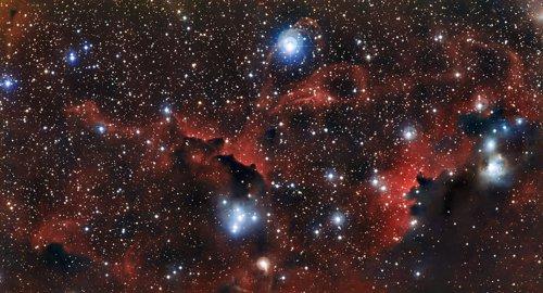 ESO muestra imágenes de las 'alas' de la Nebulosa...