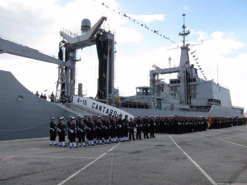 Acto de entrega de la bandera de combate al buque 'Cantabria' de la Armada