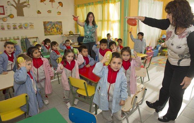 Cantabria aprueba la convocatoria de 90 plazas para maestros for Convocatoria de maestros
