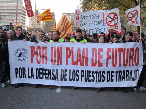 José M. Álvarez Junto Con Los Trabajadores De Iberia En Barcelona