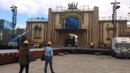 Montaje del escenario del Carnaval de Las Palmas de Gran Canaria 2013