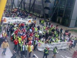 Trabajadores de Iberia protestando en Barajas