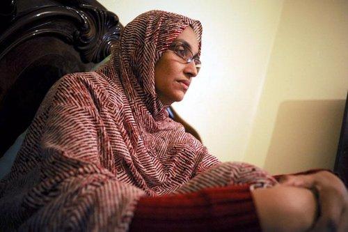 La activista Haidar en su casa de El Aaiún