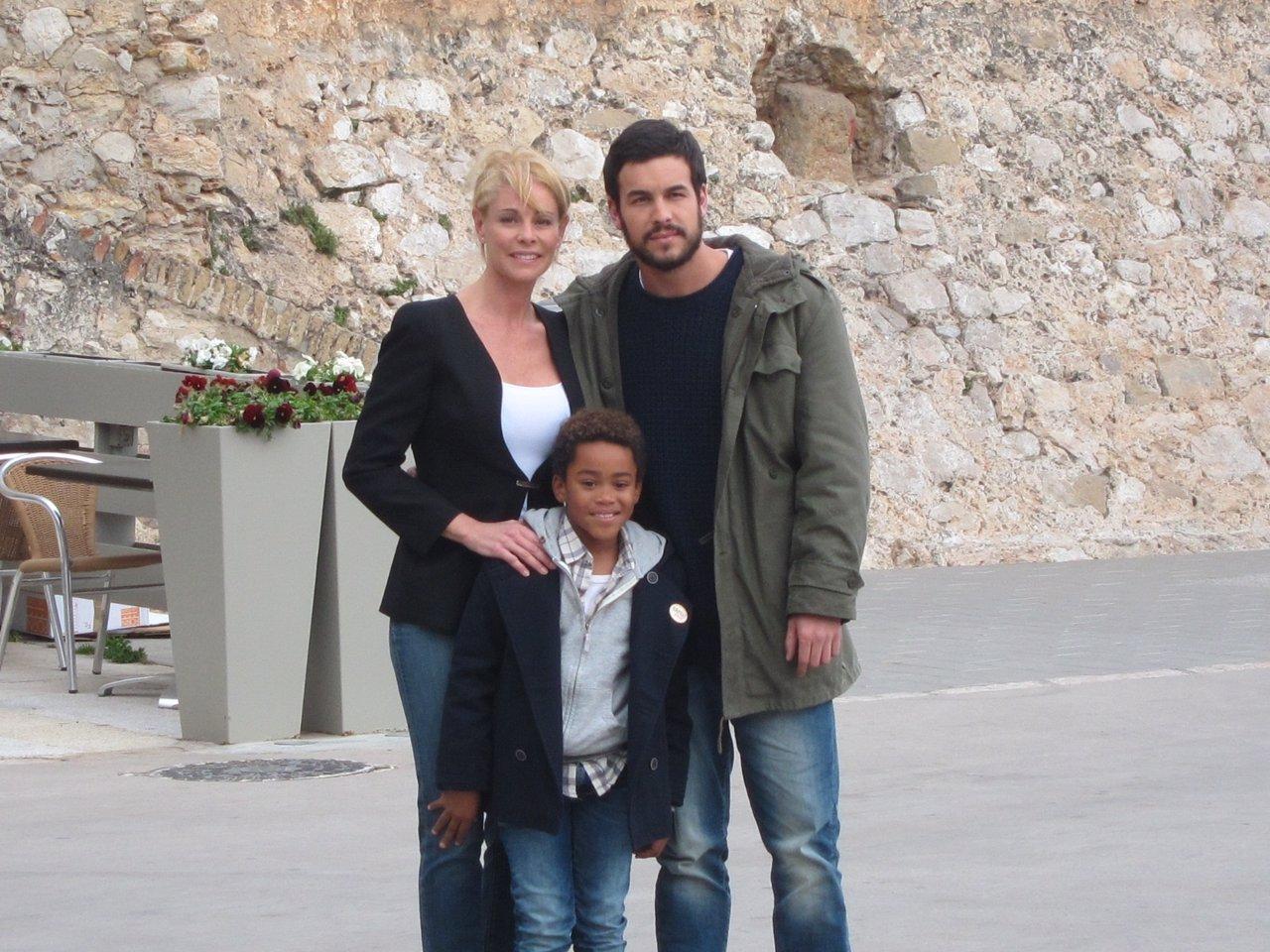 Belén Rueda, Mario Casas y Larsson do Amaral en el rodaje de 'Ismael'