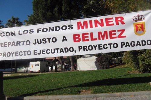 Acampada del pueblo de Belmez frente a la Subdelegación del Gobierno