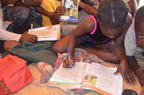 Algunas escuelas ofrecen ahora estudios complementarios gracias a la ONG
