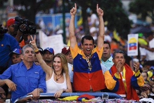 Henrique Capriles en el cierre de campaña en Venezuela