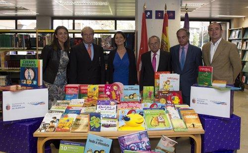 Ayuntamiento y fundaci n seur entregar n cerca de libros nuevos a bibliotecas y colegios - Libreria pozuelo ...