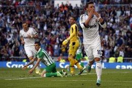 El Real Madrid vence al Betis en el Bernabéu