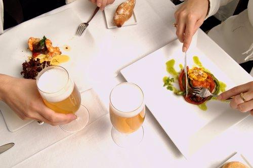 La ingesta moderada de cerveza puede proteger frente a lesiones miocárdicas agudas asociadas al infarto y favorecer la función cardíaca global