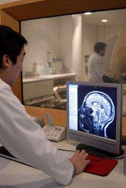 Resonancia magnética cerebro