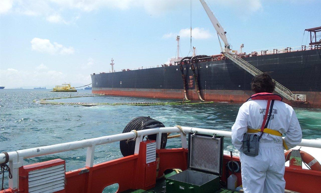 Capitan a mar tima de algeciras hace la primera inspecci n for Cristalerias en algeciras