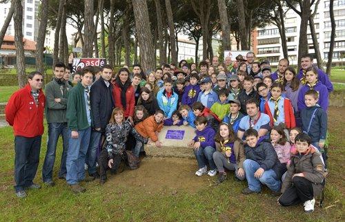 Descubrimiento de la placa conmemorativa de los 100 años del movimiento scout