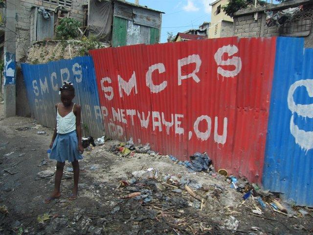 Niña en Haití