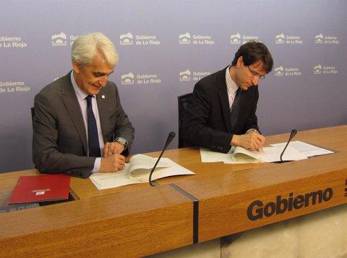 Capellán y Arnáez Vadillo firman los convenios