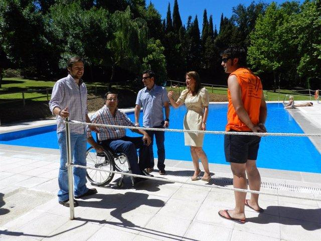 Las piscinas municipales de c ceres retrasan su apertura for Piscina municipal caceres