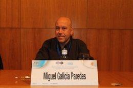 El doctor Miguel Galicia en el XXV Congreso de Semes en Santiago.