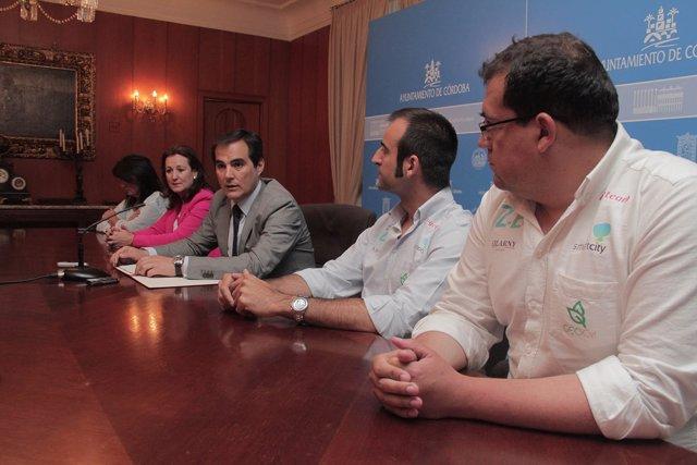 Nieto (centro) en la presentación de las Jornadas de la RECI