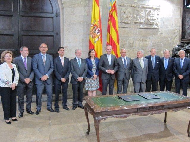 Las titulaciones universitarias pasar n en la comunidad for Curso mantenimiento de piscinas comunidad valenciana