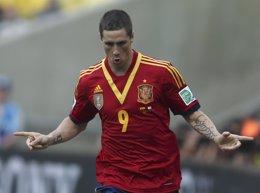 Fernando Torres celebra un gol ante Tahití