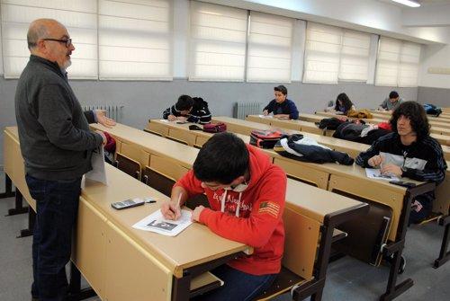 ESTUDIANTES, PROFESOR, AULA, CLASE, UCLM, EXÁMEN, SELECTIVIDAD, APRENDIZAJE