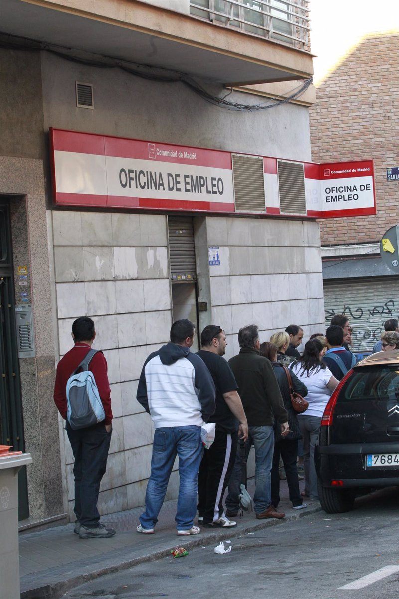 El paro baja en andaluc a en personas en junio - Oficina de empleo andalucia ...