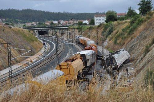 Tren descarrilado en Angrois